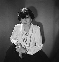 Roger-Viollet | 824360 | Coco Chanel (1883-1971), couturière française. Paris, juillet 1936. | © Boris Lipnitzki / Roger-Viollet