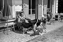 Roger-Viollet | 824593 | Louis-Ferdinand Céline (1894-1961), French writer. Meudon (France), 1955. | © Bernard Lipnitzki / Roger-Viollet