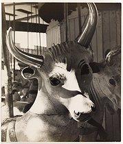 Roger-Viollet | 828733 | Foire du trône, Paris. Photographie d'Izis (1911-1980). Tirage gélatino-argentique. 1949. Paris, musée Carnavalet. | © Izis / Musée Carnavalet / Roger-Viollet