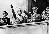 Roger-Viollet | 833037 | Signature of the Pact of Steel (Italo-German). From left to right, on the balcony of the Chancellery in Berlin: Joachim von Ribbentrop, count Galeazzo Ciano, Adolf Hitler, Hermann Goering, May 22, 1939. | © Roger-Viollet / Roger-Viollet