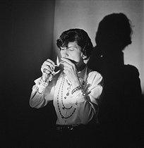 Roger-Viollet | 834559 | Coco Chanel (1883-1971), couturière française. Paris, juillet 1936. | © Boris Lipnitzki / Roger-Viollet