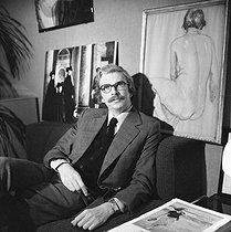 Roger-Viollet | 836270 | Daniel Toscan du Plantier (1941-2003), French producer. Neuilly-sur-Seine (France), December 1979. | © Kathleen Blumenfeld / Roger-Viollet