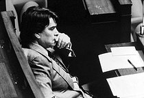 Roger-Viollet | 838358 | Bernard Tapie (born in 1943), French politician and businessman, at the French National Assembly. Paris, May 1989. | © Roger-Viollet / Roger-Viollet