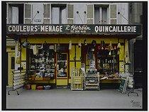 Roger-Viollet | 840211 | R. Herbin hardware shop, 150 bis avenue Daumesnil. Paris (XIIth arrondissement), 1981. Photograph by Felipe Ferré. Paris, musée Carnavalet. | © Felipe Ferré / Musée Carnavalet / Roger-Viollet
