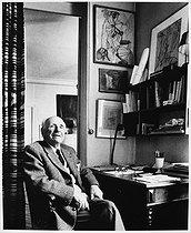 Roger-Viollet | 845343 | Francis Ponge (1899-1988), French writer and poet. Paris, 1983. | © Bruno de Monès / Roger-Viollet