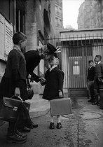 Roger-Viollet | 848955 | Start of the new school year. Paris, October 1943. | © LAPI / Roger-Viollet