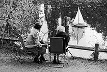 Roger-Viollet | 849255 | Bois de Boulogne, in the 1980's. | © Jean-Pierre Couderc / Roger-Viollet