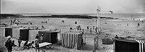 Roger-Viollet | 853657 | Pornichet (Loire-Atlantique). The beach. Around 1900. | © Léon & Lévy / Roger-Viollet