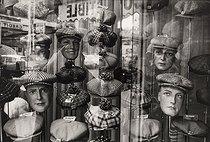 Roger-Viollet | 858254 | Window of a hat shop, rue de Belleville. Paris (XXth arrondissment), 1972. Photograph by Léon-Claude Vénézia (1941-2013). Bibliothèque historique de la Ville de Paris. Bibliothèque historique de la Ville de Paris. | © Léon Claude Vénézia / BHVP / Roger-Viollet