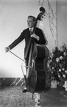 Roger-Viollet | 864506 | Serge Alexandrovich Koussevitzky (1874-1951), Russian-born American composer. Paris, September 1925. | © Boris Lipnitzki / Roger-Viollet