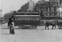 Roger-Viollet | 865205 | Horse-drawn streetcar Charenton - Place de la Republique. Paris,1912. | © Jacques Boyer / Roger-Viollet