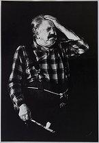 Roger-Viollet | 876741 | Michel Simon (1895-1975), Swiss actor. Photograph by Jean Marquis (1926-2019). Bibliothèque historique de la Ville de Paris. | © Jean Marquis / BHVP / Roger-Viollet