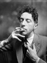 Roger-Viollet | 878502 | Jean Cocteau (1889-1963), French writer, 1939. | © Laure Albin Guillot / Roger-Viollet