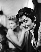 Roger-Viollet | 881825 | Countess Maxime de la Falaise (1922-2009). $$$ | © Jack Nisberg / Roger-Viollet