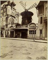 Roger-Viollet   885494   The Moulin Rouge, 86 boulevard de Clichy. Paris (XVIIIth arrondissement), 1911. Photograph by Eugène Atget. Bibliothèque historique de la Ville de Paris.   © Eugène Atget / BHVP / Roger-Viollet
