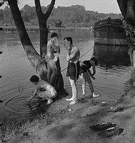 Roger-Viollet | 885800 | Camping and Culture association | © Marcel Cerf / BHVP / Roger-Viollet