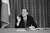Roger-Viollet | 887470 | Press conference by François Mitterrand (1916-1996), President of the French Republic. France, on June 9, 1982. | © Jacques Cuinières / Roger-Viollet