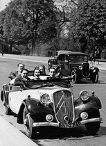 Roger-Viollet | 889259 | Car with front-wheel drive Citroën. France, about 1935. | © Roger-Viollet / Roger-Viollet