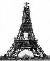Roger-Viollet | 890197 | Construction of the Eiffel Tower. Paris, on December 26, 1888. | © Albert Harlingue / Roger-Viollet