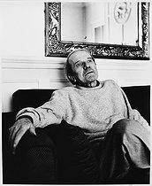 Roger-Viollet | 893951 | Gilles Deleuze (1925-1995), French philosopher, at home. Paris, July 1988. | © Bruno de Monès / Roger-Viollet