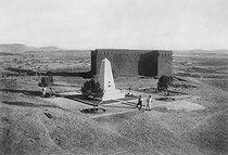 Roger-Viollet | 895042 | Monument au père Charles de Foucauld (1858-1916). Tamanrasset (Algérie). | © Roger-Viollet / Roger-Viollet