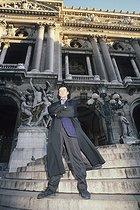 Roger-Viollet | 899416 | Patrick Dupond, French ballet dancer, in front of the Opéra Garnier. Paris, 1989. | © Colette Masson / Roger-Viollet
