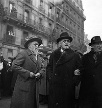 Roger-Viollet | 900362 | Solidarity rally after the attack on Léon Blum, in the presence of Jean Perrin and Paul Langevin, French scientists, and Victor Basch, French philosopher | © Marcel Cerf / BHVP / Roger-Viollet