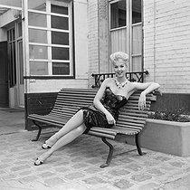 Roger-Viollet | 903137 | Mylène Demongeot, French actress. | © Jacques Cuinières / Roger-Viollet