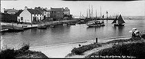 Roger-Viollet | 905993 | Port-Haliguen (presqu'île de Quiberon, Morbihan). Le port et la jetée. | © Neurdein / Roger-Viollet