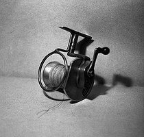Roger-Viollet   906509   FRANCE - PECHE AU LANCER   © Tony Burnand / Roger-Viollet