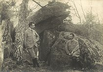 Roger-Viollet | 906524 |  Bilocation . Special effect photograph by Henri Roger (1869-1946), Fontainebleau forest, around 1890. | © Henri Roger / Roger-Viollet