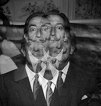Roger-Viollet | 908084 | Salvador Dali (1904-1989), Spanish painter and engraver. Double exposure on a single view. | © Jack Nisberg / Roger-Viollet