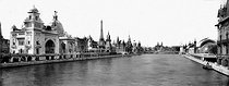 Roger-Viollet | 911060 | 1900 World Fair in Paris. Perspective of the Seine from the pont des Invalides. | © Neurdein / Roger-Viollet