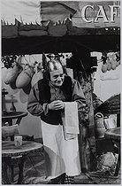 Roger-Viollet | 911441 | René Goscinny (1926-1977), French cartoonist. Photograph by Jean Marquis (1926-2019). Bibliothèque historique de la Ville de Paris. | © Jean Marquis / BHVP / Roger-Viollet