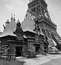 Roger-Viollet | 919708 | 1889 World Fair in Paris. The Nicaragua pavilion. | © Léon & Lévy / Roger-Viollet