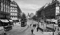 Roger-Viollet   923587   Metro station, rue du Temple. Paris (IIIrd arrondissement), circa 1900.   © Léon & Lévy / Roger-Viollet