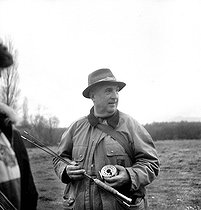 Roger-Viollet | 925987 | Louis Carrère, fly fishing specialist. | © Tony Burnand / Roger-Viollet