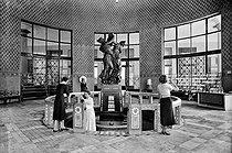 Roger-Viollet | 926472 | Spring of the Pavilion. Contrexéville (France), circa 1930. | © CAF / Roger-Viollet
