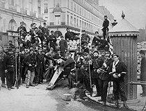 Roger-Viollet | 927353 | Paris Commune (1871). | © BHVP / Roger-Viollet
