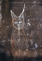 Roger-Viollet | 927699 | Graffiti. Paris, April 1972. Photograph by Léon Claude Vénézia (1941-2013). | © Léon Claude Vénézia / Roger-Viollet