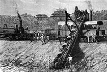 Roger-Viollet | 928281 | Construction of the Suez Canal in Egypt (1859-1869). Excavator. | © Jacques Boyer / Roger-Viollet