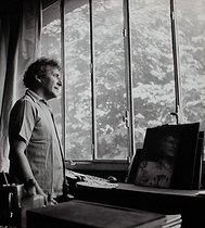 Roger-Viollet | 936310 | Marc Chagall in his studio | © Boris Lipnitzki / Roger-Viollet