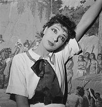 Roger-Viollet   937976   Josephine Baker   © Gaston Paris / Roger-Viollet