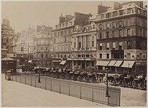 Roger-Viollet   941164   Place de la Bourse. Paris (IInd arrondissement), 1865-1867. Photograph by Charles Marville (1813-1879). Bibliothèque historique de la Ville de Paris.   © BHVP / Roger-Viollet