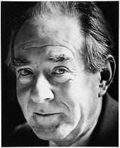 Roger-Viollet | 948267 | Jean Delumeau (1923-2020), French historian, specialist of Christianity. | © Bruno de Monès / Roger-Viollet