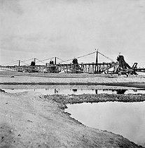 Roger-Viollet | 948999 | Suez (Egypt). Construction of the canal. Dredgers. 1869. | © Léon & Lévy / Roger-Viollet