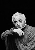 Roger-Viollet | 952460 | Charles Aznavour (1924-2018), Armenian-born French singer-songwriter and actor. France, on May 6, 2005. | © Patrick Ullmann / Roger-Viollet