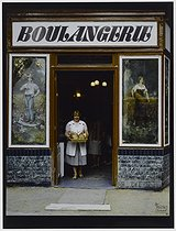 Roger-Viollet | 953426 | Bakery at the corner of the rue Ordener and the rue Montcalm. Paris (XVIIIth arrondissement), 1981. Photograph by Felipe Ferré. Paris, musée Carnavalet. | © Felipe Ferré / Musée Carnavalet / Roger-Viollet