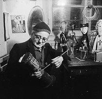 Roger-Viollet | 962111 | Marie Vassilieva (1884-1957), Russian painter and decorator. Paris, February 1953. | © Boris Lipnitzki / Roger-Viollet