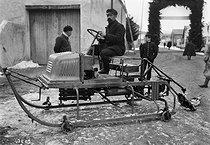 Roger-Viollet | 962371 | Motor sleigh | © Maurice-Louis Branger / Roger-Viollet